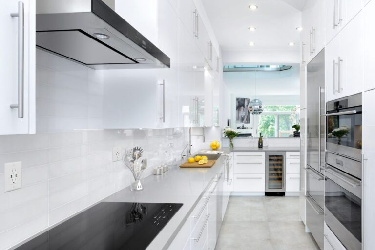 Cabbagetown_Cool_Gloss_White1