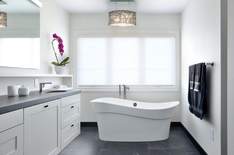 burlington_beauty_bathroom2