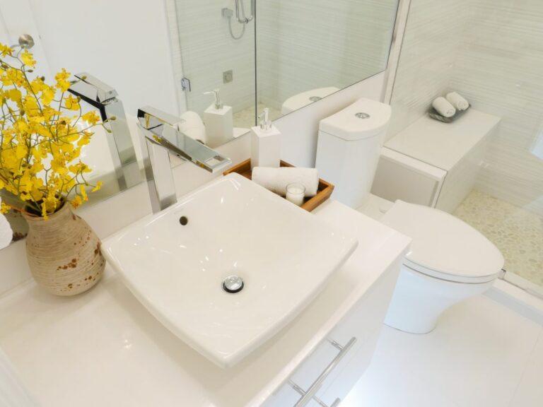 white_cliff_bathroom2